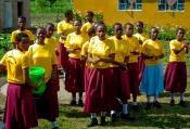 Begrüßung durch einen Mädchen-Chor