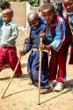 Kind mit Gehbehinderung